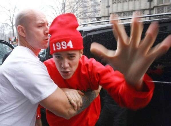 35cf0b8e636f37e3b0632f100464619e - Justin Bieber quiso pegarle a un paparazzi
