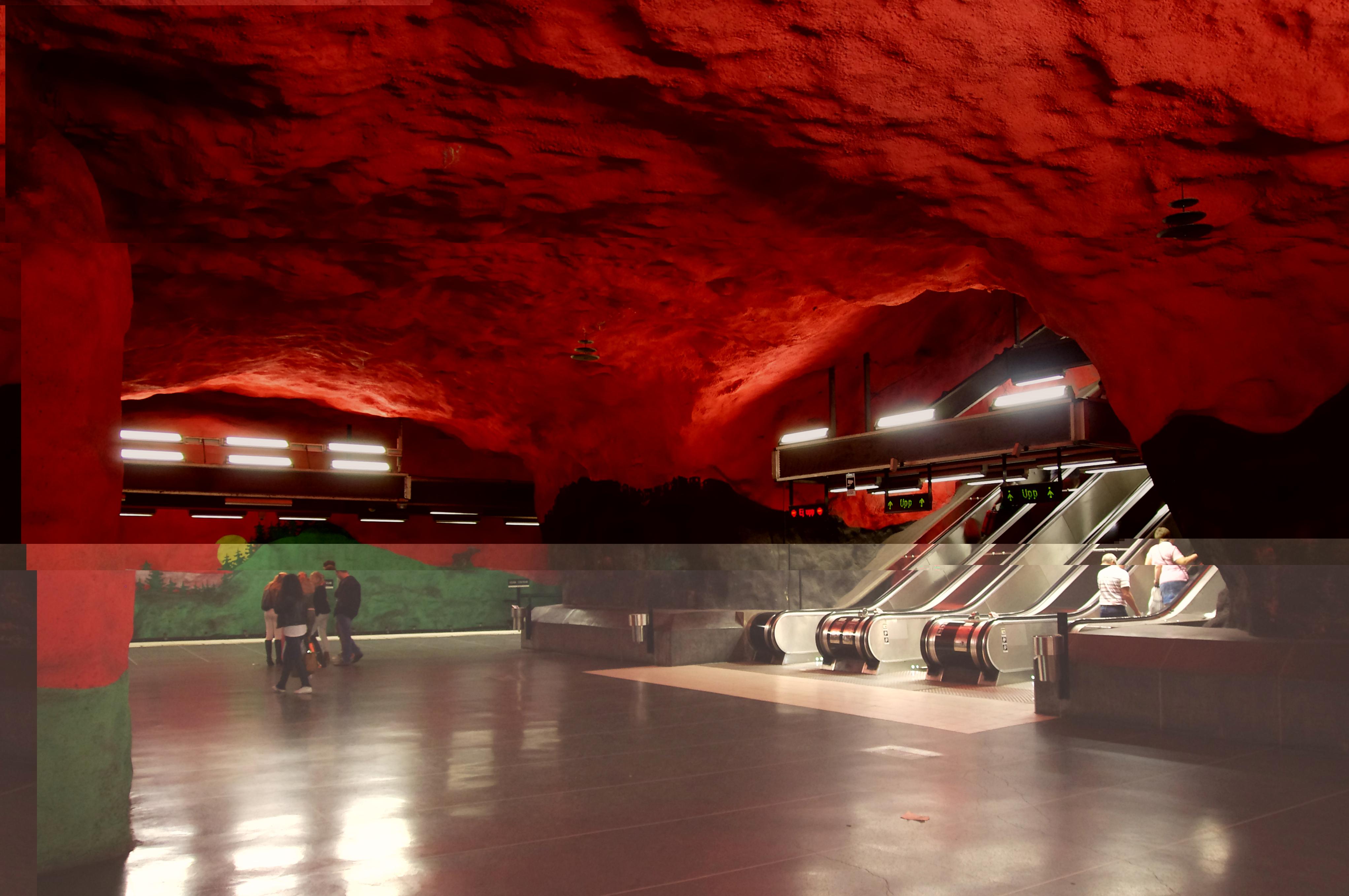 4f10753d7a9d872e989352e614b3249c - Las Estaciones de Metro más espectaculares de Europa