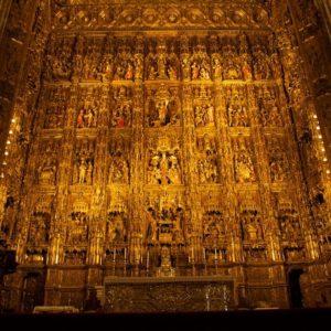 Si quisiera, la Iglesia podría solucionar la crisis española 24