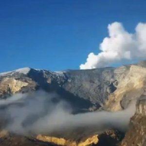 #Video Ovni recarga energia en un volcan de Colombia 24
