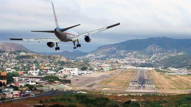 20 pistas de aterrizaje terroríficas que te quitarán las ganas de volar 32