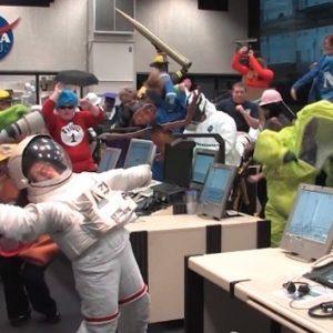 #Video La NASA se rinde ante el virus del 'Harlem Shake' 21