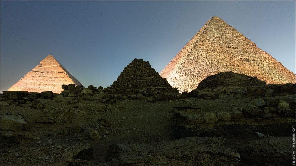 las-fotos-prohibidas-de-la-piramide-de-keops-sus-autores-iran-a-la-carcel-2