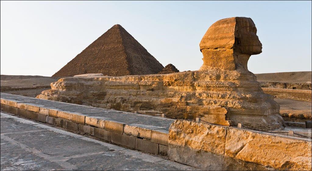 las-fotos-prohibidas-de-la-piramide-de-keops-sus-autores-iran-a-la-carcel-8