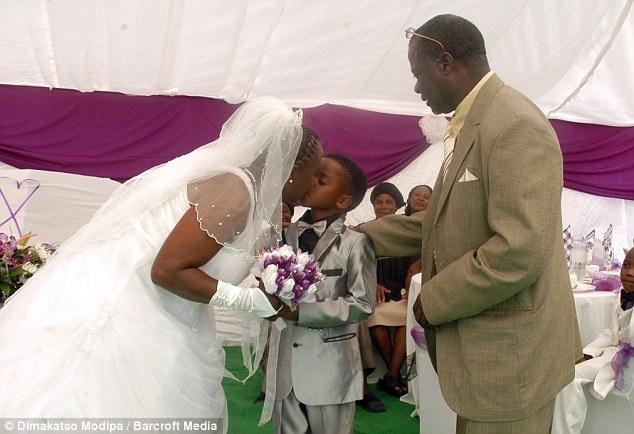 be75ab89b7b7f53e3f145f94bfa744db - Un niño de 8 años se casa con una mujer de 61 en Sudáfrica