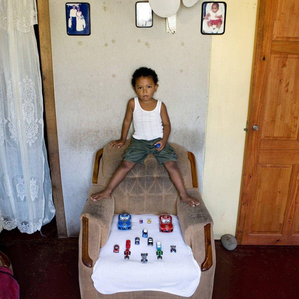 """""""Toy Stories"""" la vida de los niños según sus juguetes 25"""