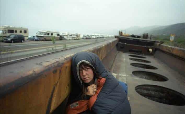 Narra desde dentro la vida de los vagabundos juveniles que viajan como polizones ferroviarios 19