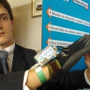 Crean un guante que convierte el lenguaje de signos en audio 20