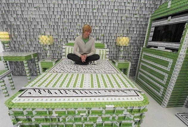 30d4669a7af210096a7fe6ddb67fea71 - Un hotel hecho con más de 200.000 tarjetas llave