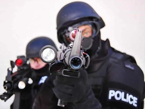 Nueva broma en Estados Unidos consiste en enviar un equipo SWAT a asustar a alguien 10