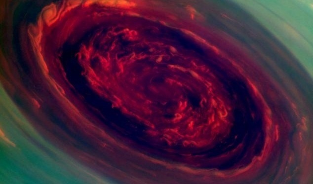 NASA capta impresionante imagen de huracán en Saturno: 20 veces más grande que los de la Tierra 13