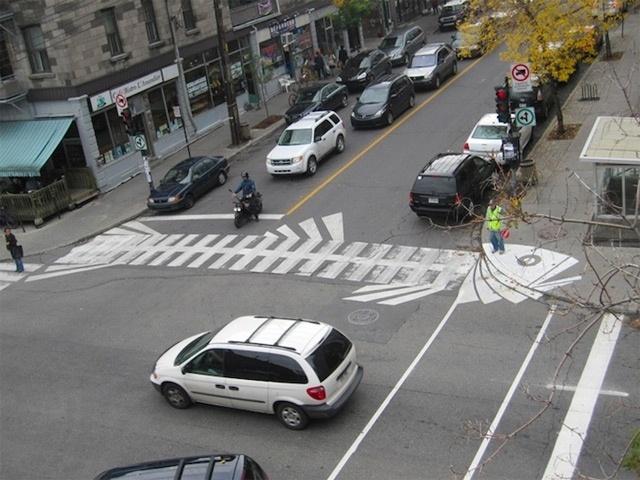 97156b6b58c7930493e1c5845c7ada38 - Campaña de arte callejero por Peter Gibson