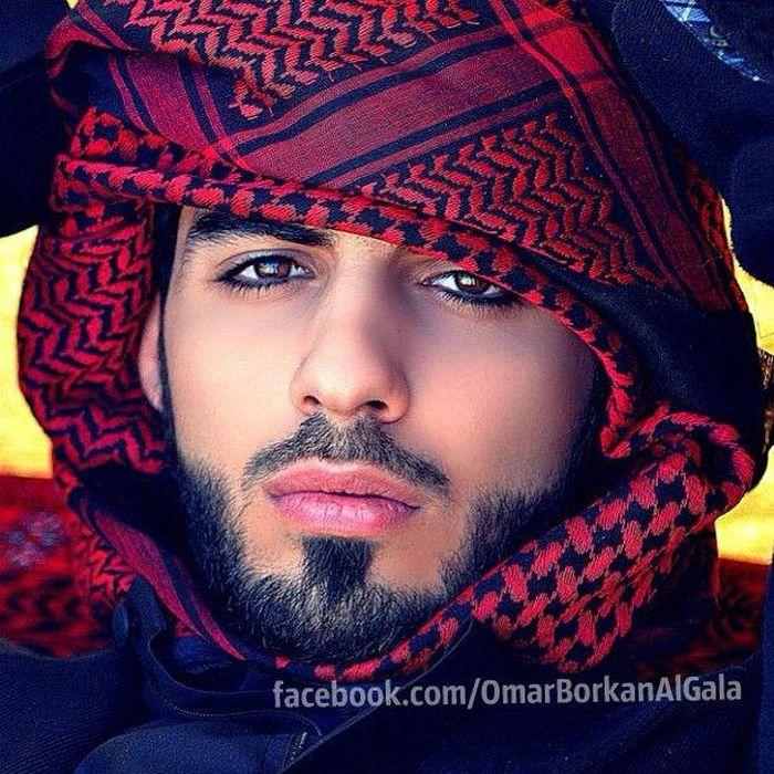 """Omar Borkan Gala Foto Facebook MUJIMA20130426 0034 29 - Expulsado de Arabia por ser""""demasiado guapo"""""""