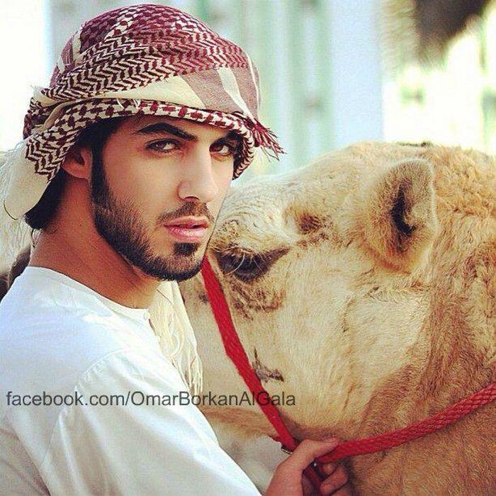 """Omar Borkan Gala Foto Facebook MUJIMA20130426 0035 29 - Expulsado de Arabia por ser""""demasiado guapo"""""""