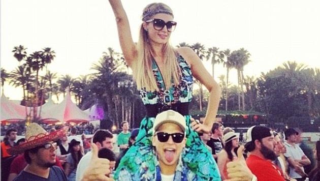 d0654051edf96a45b617da35acaef80d - En fotos: así disfruta Paris Hilton del Festival de Música Coachella