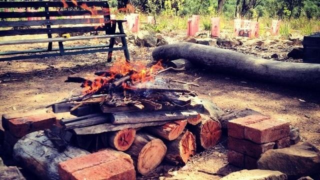 Cómo hacer un fuego al revés 1