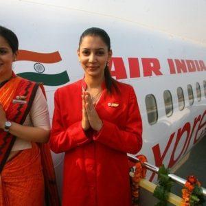 Dos pilotos indios dejan a dos auxiliares de vuelo a los mandos del avión para dormir 12