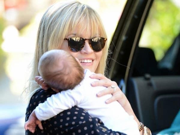 """Reese Witherspoon: """"Mi hijo me robó el cerebro"""" 9"""