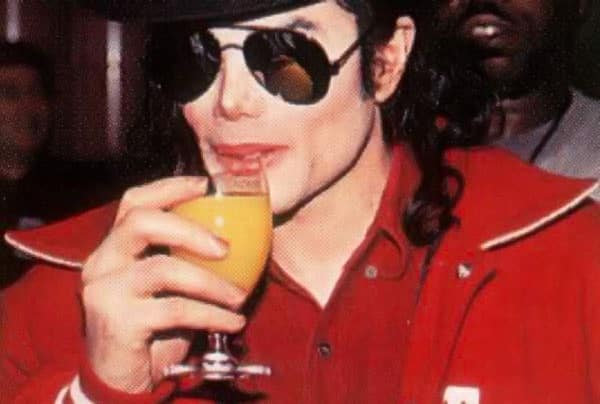 e8528a6fa61c46d0f25468c0d4798ed2 - Michael Jackson bebía 6 botellas de vino al día