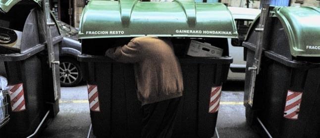 Canarias supera en once puntos la tasa de pobreza estatal 10
