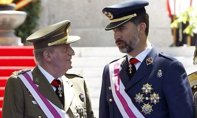 El Rey de España Juan Carlos de Borbón, Abdica pero no admite el desprestigio de la Corona 2