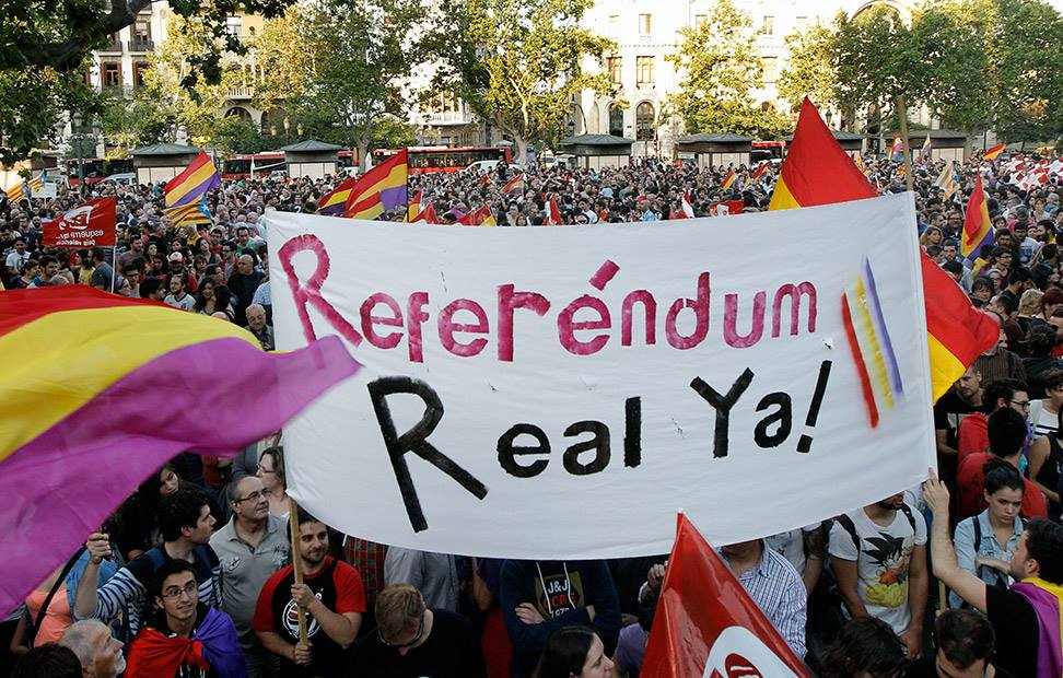 la-ciudadania-se-echa-a-la-calle-para-pedir-un-referendum-por-la-tercera-republica-1