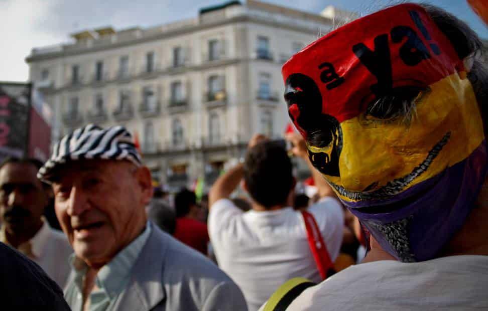 la-ciudadania-se-echa-a-la-calle-para-pedir-un-referendum-por-la-tercera-republica-5