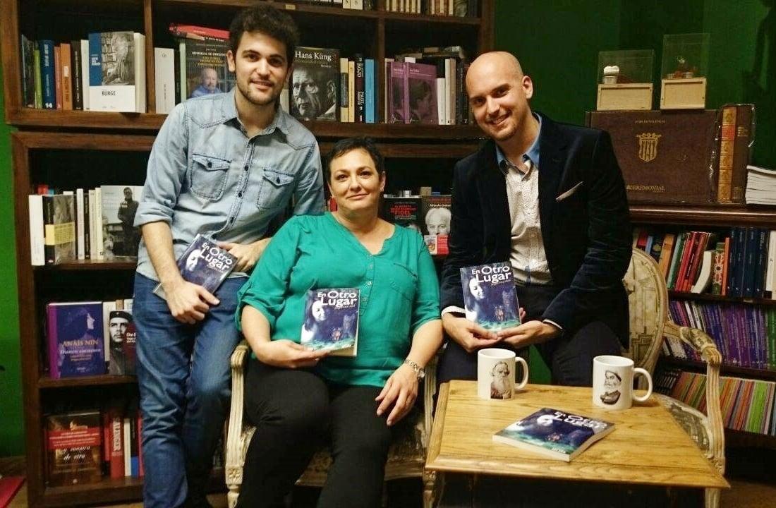 #Video Ángela Piña López presentó su libro 'En otro lugar' en la Librería Leo de Valencia 13