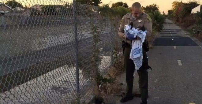 Rescatan en Los Ángeles a una recién nacida enterrada viva 9