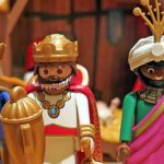 ¿Cuántas calorías han ingerido los Reyes Magos si se comen un polvorón en cada casa? 6