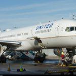 United Airlines prohíbe embarcar a tres pasajeras en un vuelo por llevar 'leggings' 6