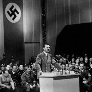 """Kennedy, en su diario: """"No hay evidencia completa de que el cuerpo que se encontró fuera de Hitler"""" 21"""