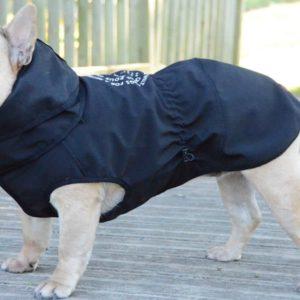 Cómo saber qué talla de chubasquero necesita tu perro 52