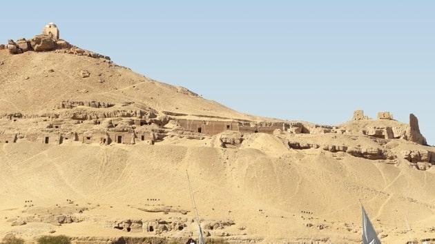 Egipto: Arqueólogos españoles hallan un doble sarcógafo en una cámara de 4.000 años 19