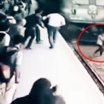 #Video Chica es arrollada por un tren mientras hablaba por teléfono y sobrevive 6