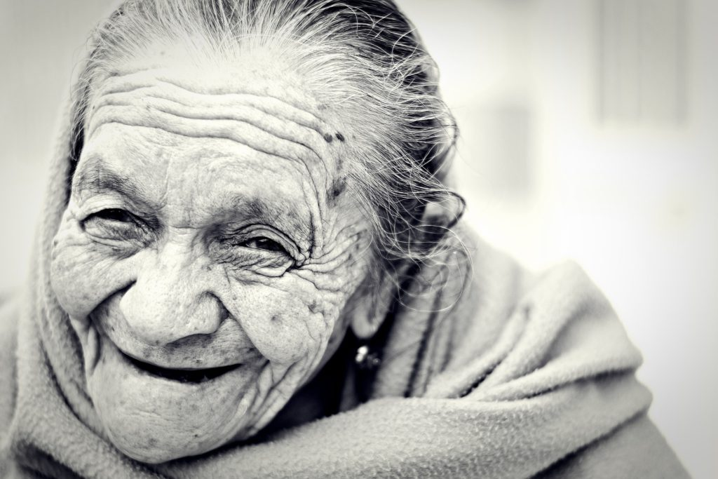 Aumenta la calidad de vida de las personas mayores con una asistencia a domicilio profesional 20