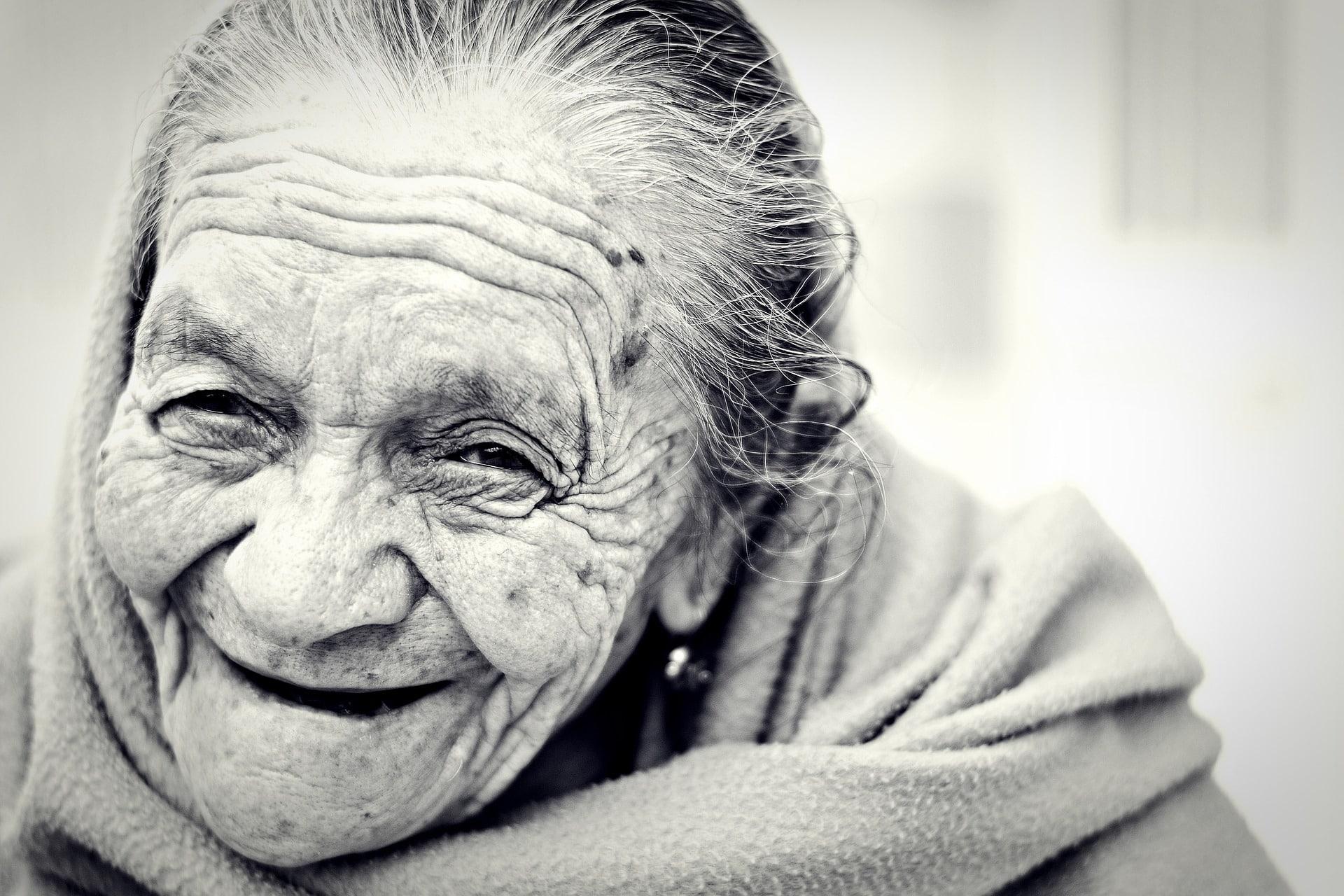 50091bf5039a9c6746ecf094fd116d9b - Aumenta la calidad de vida de las personas mayores con una asistencia a domicilio profesional