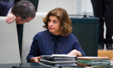 8642194565 22021e0923 b 230x140 - La exalcaldesa Ana Botella y 7 cargos de su equipo, condenados a abonar veintitres millones por la venta de pisos públicos a fondos buitre