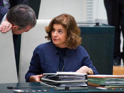8642194565 22021e0923 b 400x300 - La exalcaldesa Ana Botella y 7 cargos de su equipo, condenados a abonar veintitres millones por la venta de pisos públicos a fondos buitre