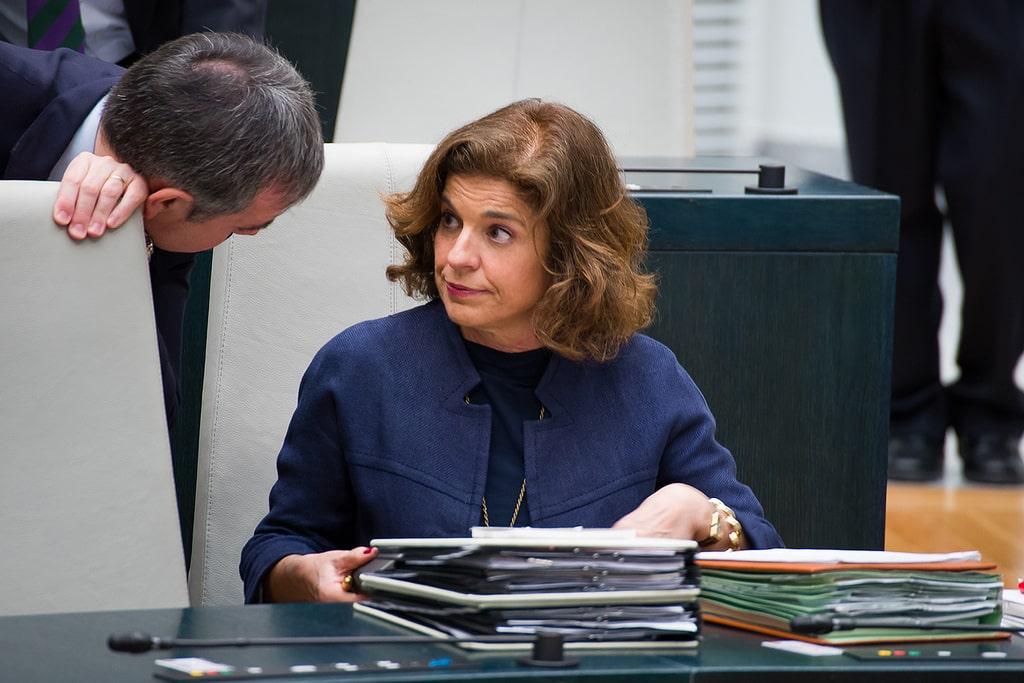 8642194565 22021e0923 b - La exalcaldesa Ana Botella y 7 cargos de su equipo, condenados a abonar veintitres millones por la venta de pisos públicos a fondos buitre
