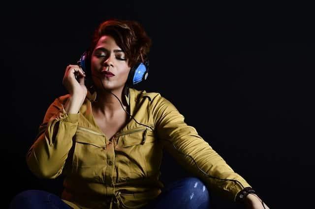 escuchar música en la radio online