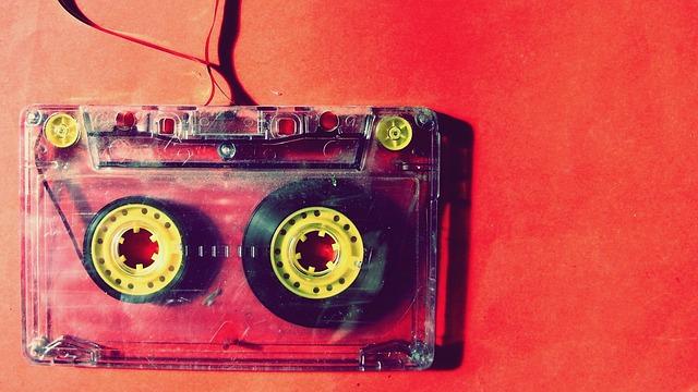 music 1285165 640 - ▷ La radio online crece un 61% en relación a la emisora FM ?