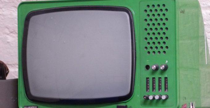 tv 1639240 640 680x350 - 10 Cosas que te ofrece la Radio y la TV no