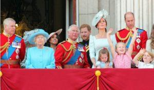 5c88407709e52 300x176 - Sorprendentes Reglas Y Tips De La Familia Real Británica