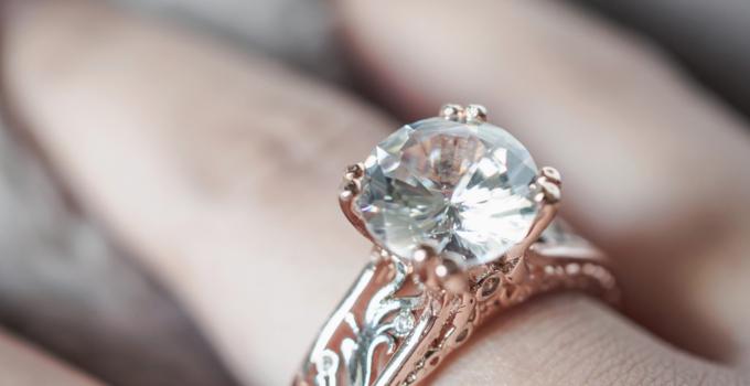 diamante 680x350 - 30 años de Comprarlo en 13$ Descubre que es un Anillo de Diamante