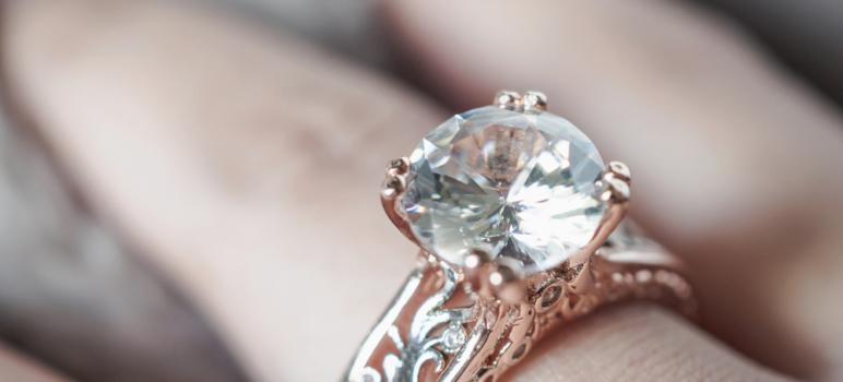 diamante 772x350 - 30 años de Comprarlo en 13$ Descubre que es un Anillo de Diamante