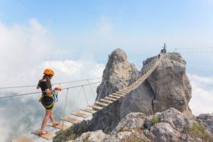 Los 10 puentes  peligrosos e increíbles del mundo 44