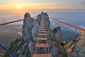 Los 10 puentes  peligrosos e increíbles del mundo 41