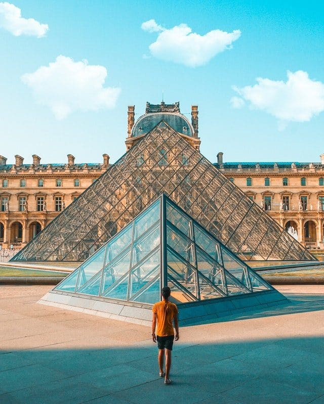 museo-del-louvre-5653638-6566736-4919474