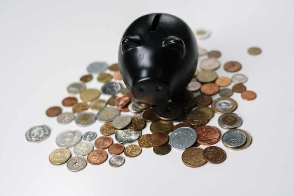 Qué funciones cumplen los abogados Derecho Comercial y Tributario
